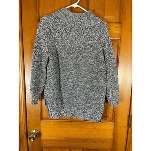 Size S-P Women's BDG black and white sweater top,